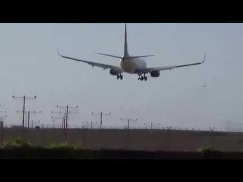 Delta Air Lines Boeing 737-832(WL) (N3773D) Landing in Los Angeles International Airport.