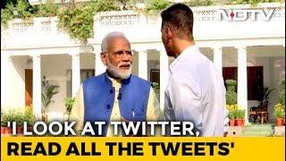 #ModiWithAkshay - PM Modi Stumps Akshay Kumar With Mention Of His Wife Twinkle