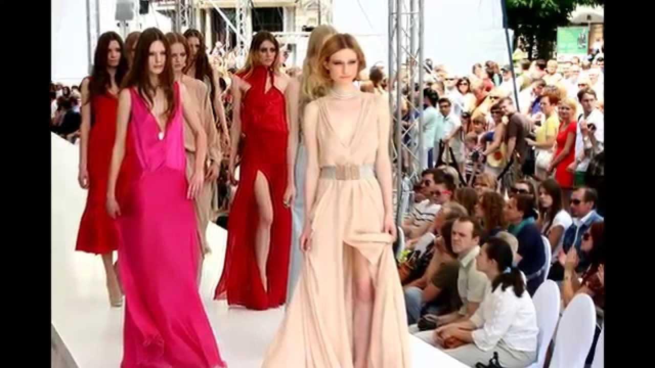 Warsaw street fashion show