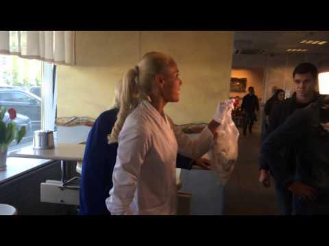 Лена Летучая из «Ревизорро» в кафе «Юность» нашла просрочку