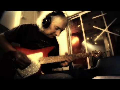 ROBERT WELLS feat: Albert Lee HANDFUL OF KEYS