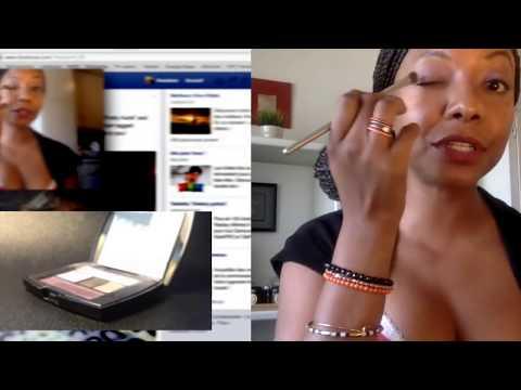 Mujere poseída en tutorial de maquillaje