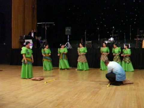 St. Patrick's Filipino Group : Folkdance - Oasiwas & Tinikling video