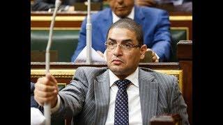أبو حامد يطالب بحظر النقاب في الأماكن العامة