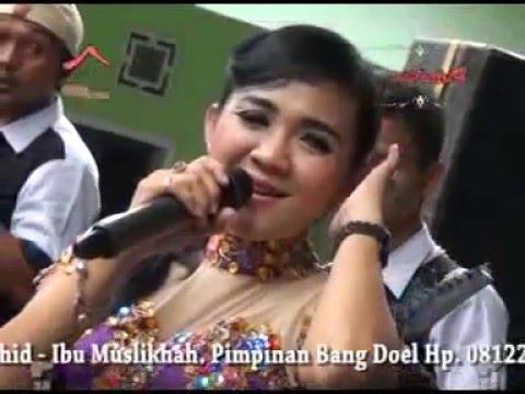 download lagu Payung Hitam  - Novvie Ayu gratis