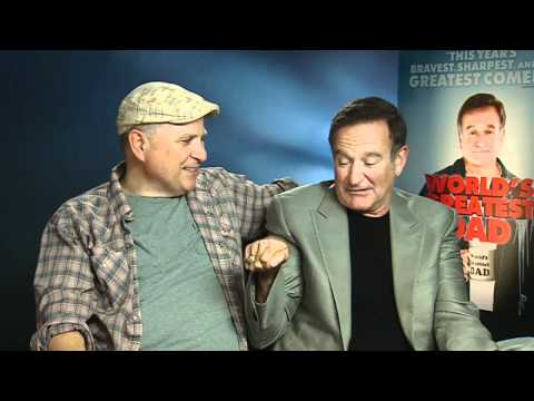 Robin Williams gets naked and demonstrates 3D porn