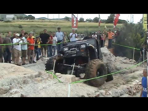 Huge Jeep Wrangler 8.2L Trial Attart