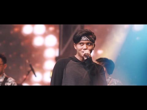 Rizky Febian - Penantian Berharga (Live at Gen Lokal Festival 2017)