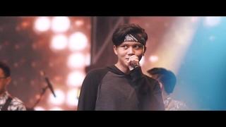 download lagu Rizky Febian - Penantian Berharga Live At Gen Lokal gratis