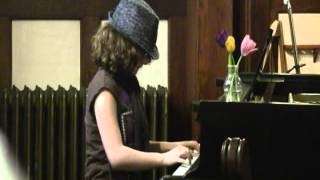 Jewell's performance at her piano recital