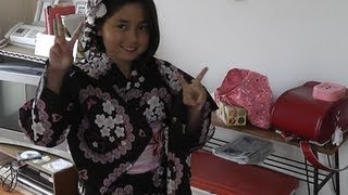 How To Wear a Japanese Summer Yukata 浴衣