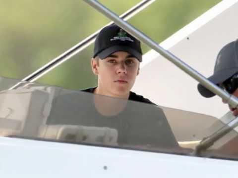 Justin Bieber fishing with Selena Gomez in Florida. (New Tattoo) (March 11 2012)