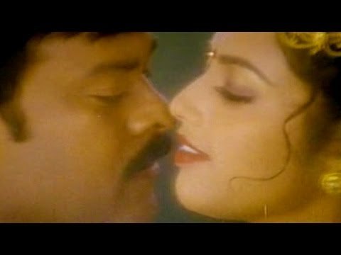 Sneham Kosam Movie ||  Kaikaluri Kannepilla Video Song || Chiranjeevi,meena video