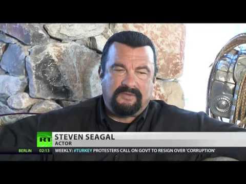 Стивен Сигал: Западным СМИ пора начать говорить правду о России