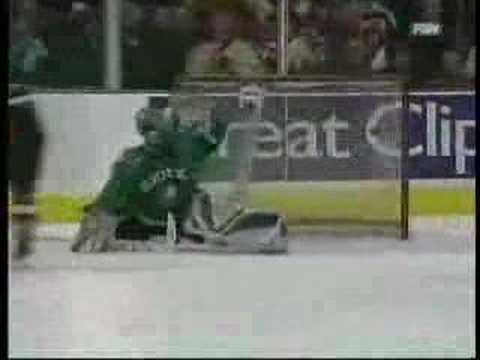 A Look Back: Gophers' Blake Wheeler's 2007 WCHA Final Five Game Winning OT Goal Over UND Fighting Sioux(video)