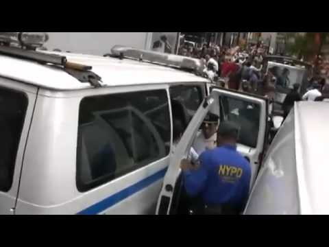 POLICE BRUTALITY: NYPD Caught On Camera Punching #OccupyWallStreet Protestor In The Face
