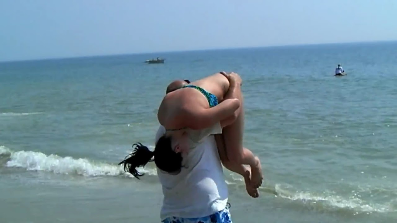 Girl Gets Thrown Into The Ocean At Bethany Beach De Youtube