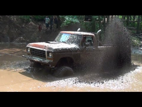 FORD 4X4 TRUCK STUCK IN MUD PART 1 by BSF Recovery Team