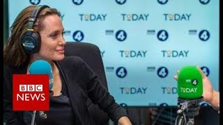 Hollywood actress Angelina Jolie hints at move into politics - BBC News