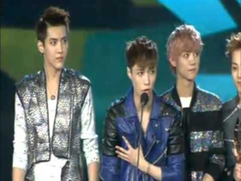EXO M - 130414 13th Music Awards - Winning 2012 Most Popular Group