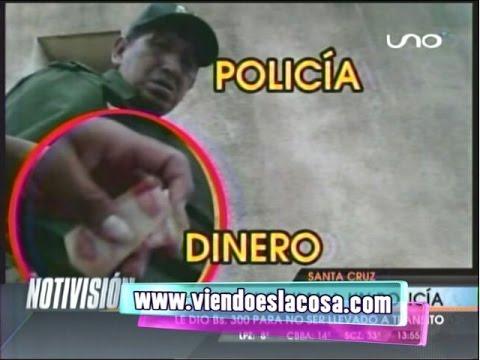 SANTA CRUZ: GRABAN INFRAGANTI A POLICÍA RECIBIENDO COIMA DE 300 BS