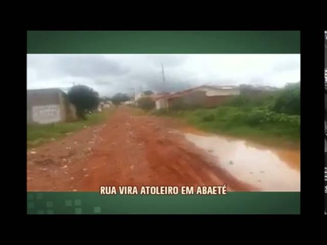 Rua em Ibaeté vira atoleiro após chuva
