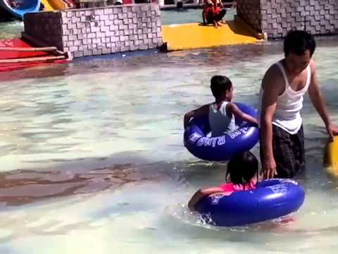 Waterboom Tgr 2013-08-16-1025.mp4 video