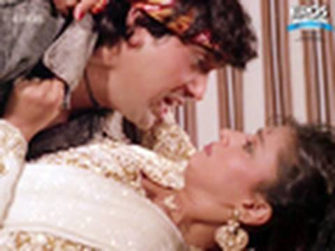 Govinda Rescues Madhuri Dixit - Izzatdaar video