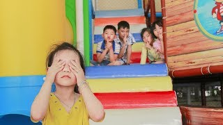 Kids Go To Indoor Playground Family Fun Play Area Learn Colors with Funny Childrens Song