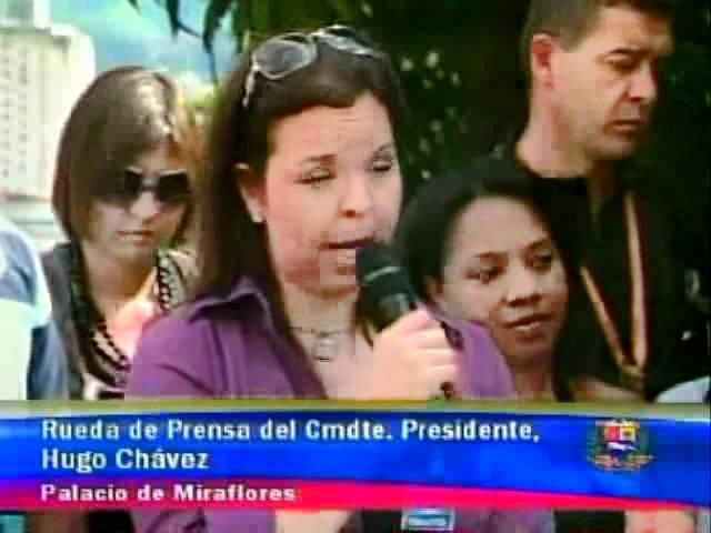 Chávez a Andreína Flores.