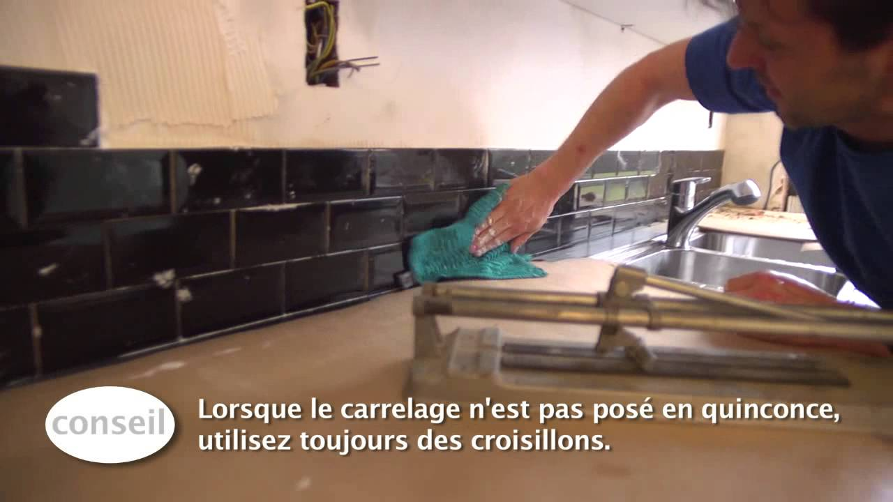 Coller carrelage sur parquet flottant les abymes for Coller sur du carrelage