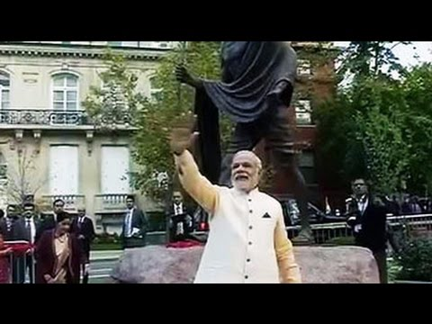 PM Narendra Modi visits Gandhi Memorial before Obama meet