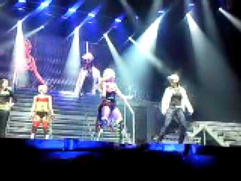 pussycat dolls teaching the bottle pop dance live on stage doll domination tour 2009 Video