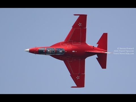 Yak-130 Russia Solo Aerobatics Flying Display at Singapore Airshow 2014 - HD