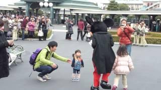 3/15東京ディズニーランド☆グリーティングに向うミッキーマウス