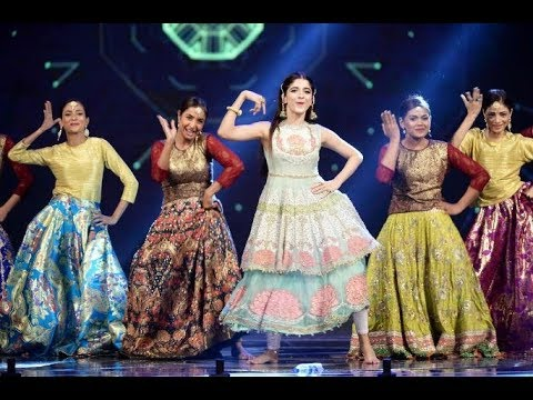 download lagu Mawra And Reema Amazing Dance Performane In Lsa 2017 gratis