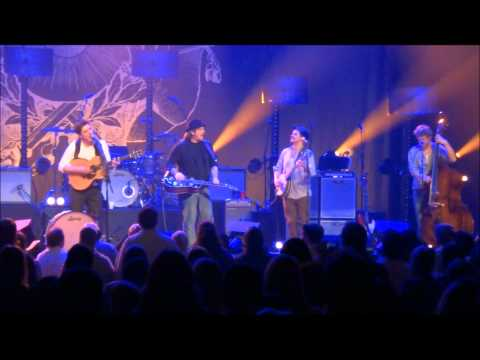 Mumford&Sons - The Boxer&Awake My Soul (with Jerry Douglas on Dobro)