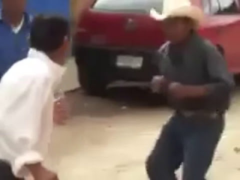 video chistoso /jajaja que chistoso borrachos peleando 1