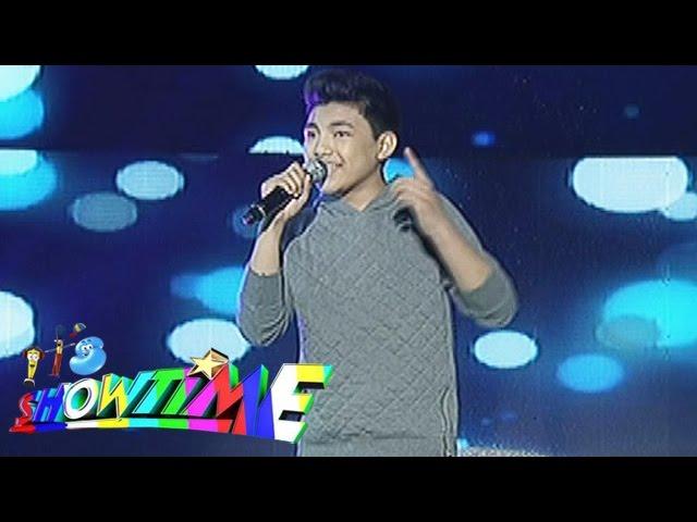 "It's Showtime: Darren Espanto sings ""Flashlight"""