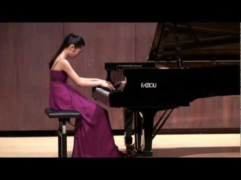 Thumbnail of video Tiffany Poon plays Beethoven Moonlight Sonata