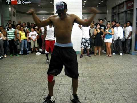 New York Subway Break Dance (better quality) Video