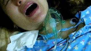 恩尼媽媽辛苦的產前陣痛