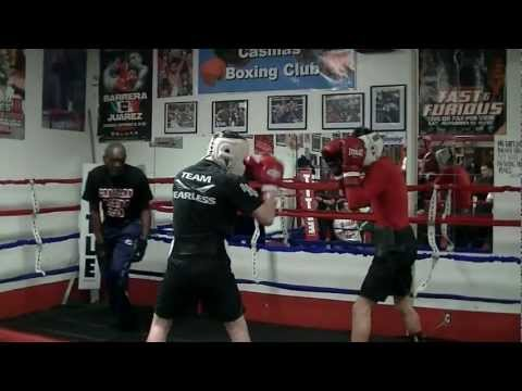 CASILLAS BOXING CLUB -  ANTHONY SANCHEZ SPARRING CESAR DIAZ   2013 Image 1