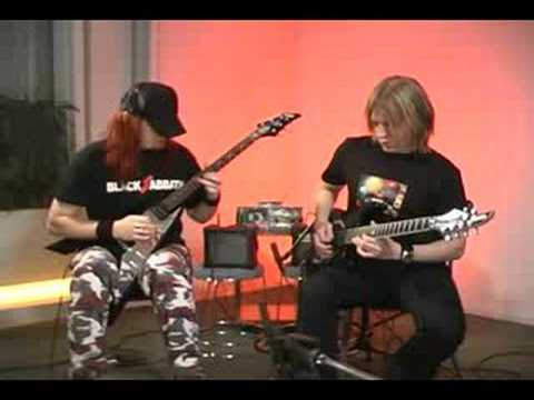Arch Enemy Young Guitar DVD 2004 - Ex. 1