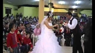 Cabir Görüroğlu Müzisyen Piyanist Kendi Düğününde Eşine Şarkı Söylüyor-Güzelburç Beldesi-ANTAKYA