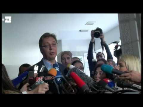 Vucic consigue mayoría absoluta en las elecciones anticipadas de Serbia