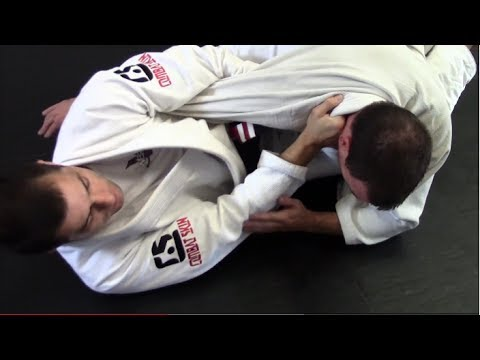 Triple attack from closed guard - BJJ closed guard submissions Image 1