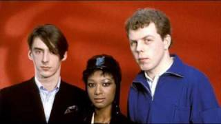 Watch Style Council Everybodys On The Run video