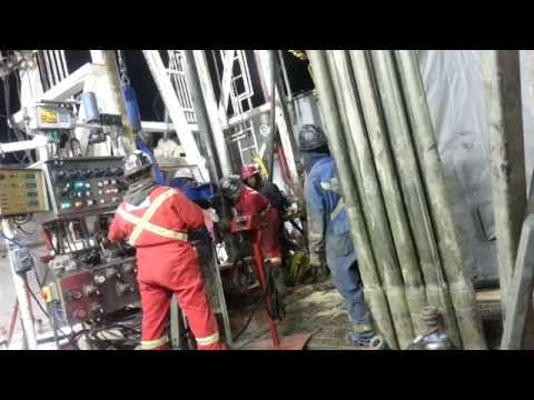 Running in casing on a drilling rig