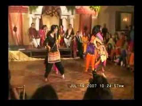 Mehndi Girls Dance - Mehndi Hai Rachne Wali